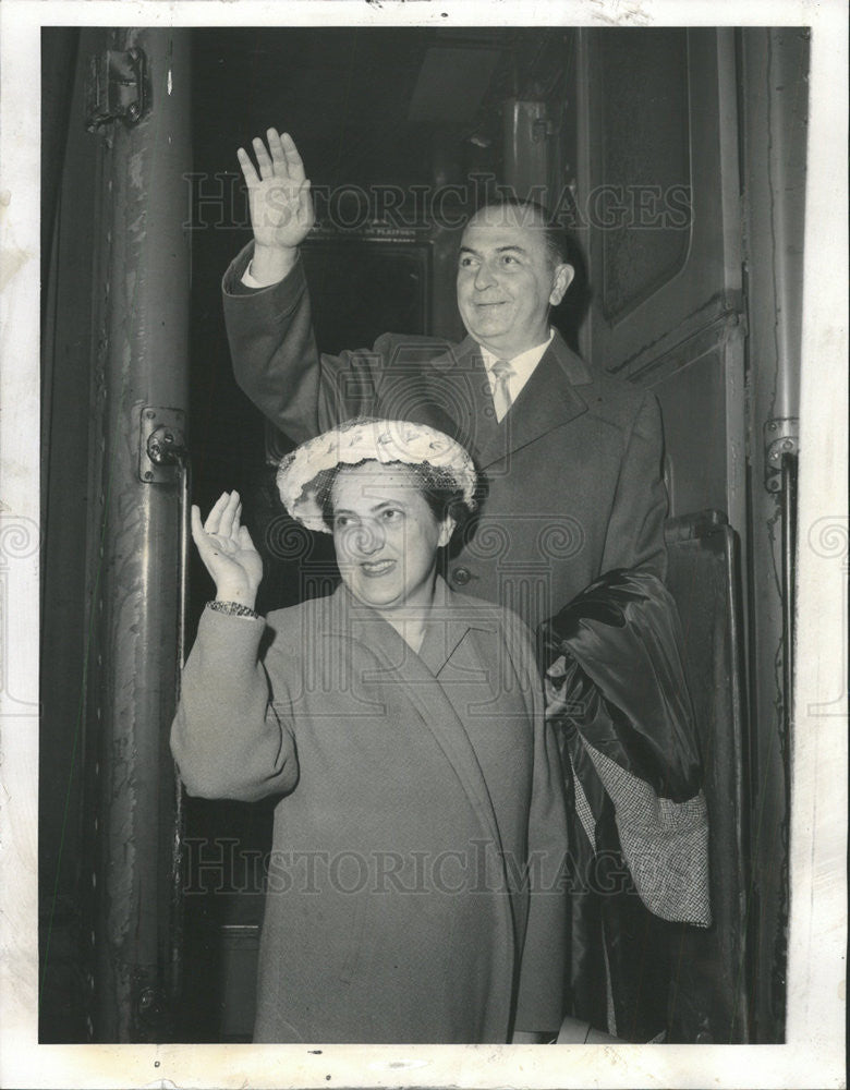 1960 Press Photo of Dr. Juan Menchaca, mayor of Guadalajara, visits Chicago - Historic Images