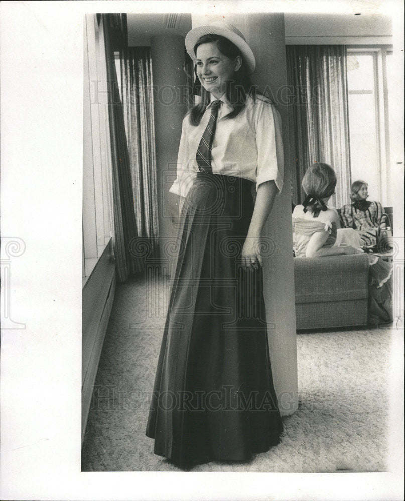 1969 Press Photo Madeline Canny dressed as Marie Plamondon - Historic Images