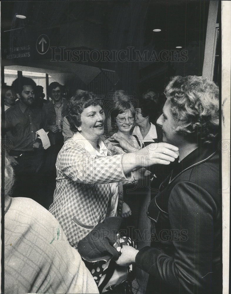 1974 Press Photo Pen Pals Of 31 Years Mrs Patricia Nerad Meet Mrs Sheila Killeen - Historic Images