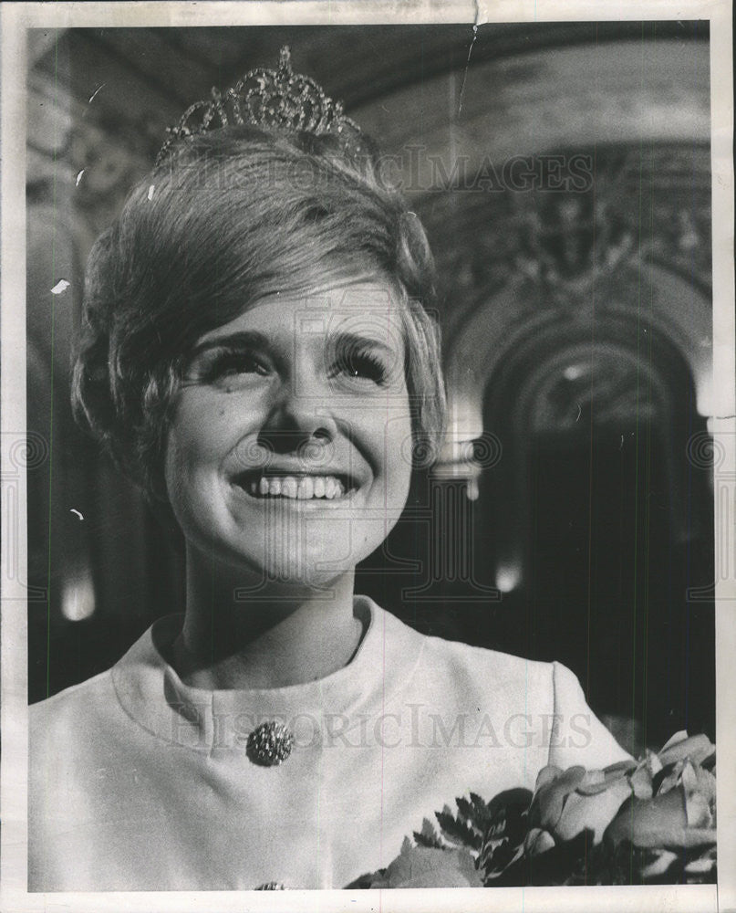 1968 Press Photo Maureen Neary, Queen of St. Patrick's Day parade - Historic Images