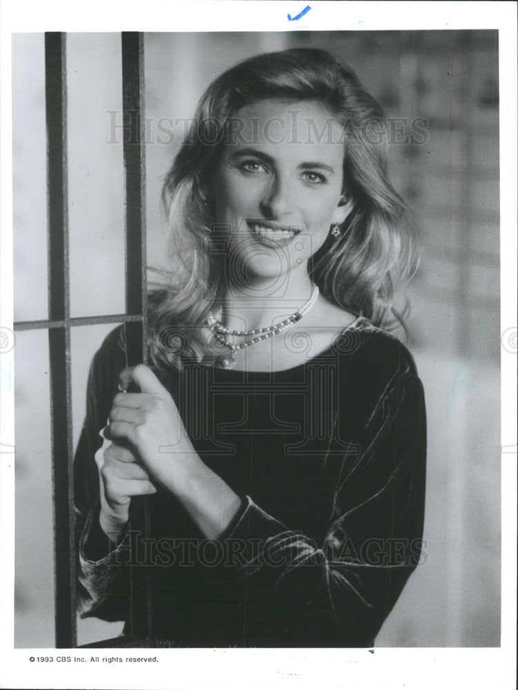 "1993 Press Photo Marlee Matlin Actress Midwestern Robin Hood ""Picket Fences"" - Historic Images"