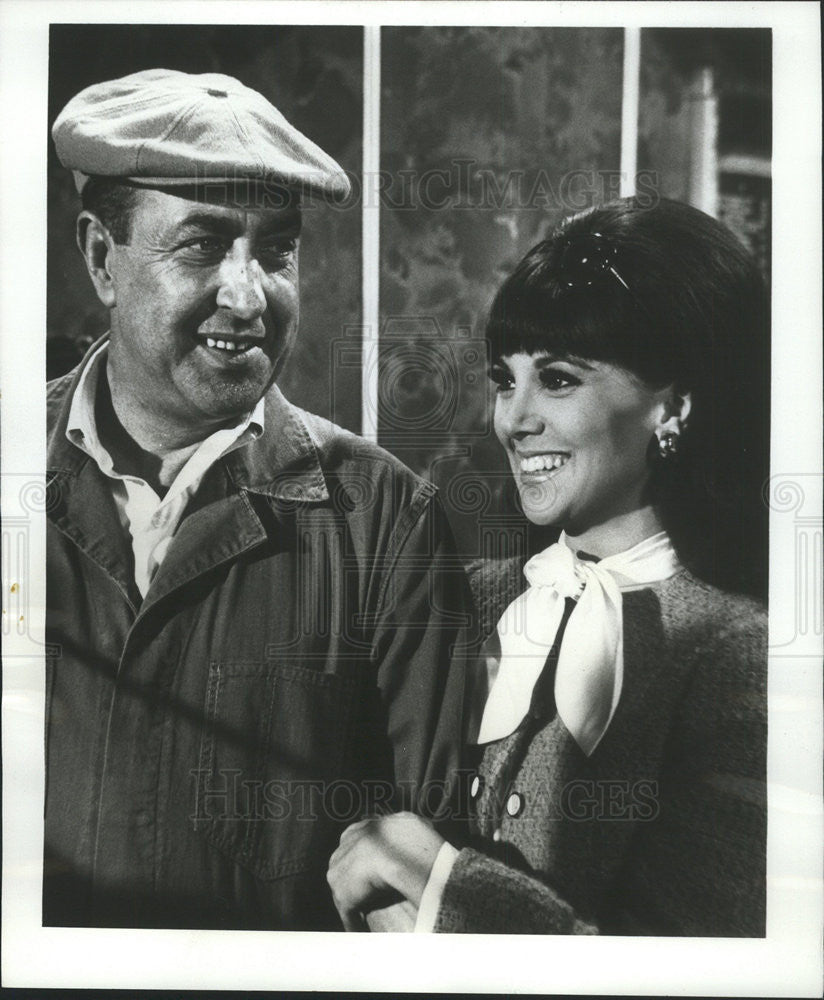 "1969 Press Photo Jules Munshin Actor ""The Home Wrecker and The Window Washer"" - Historic Images"