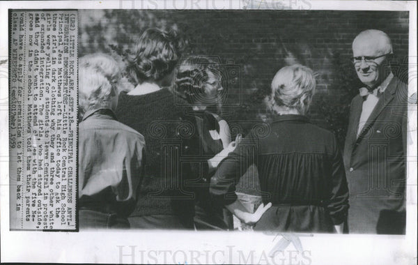 1959 Press Photo Principal Jess Mathews of Little Rock High School - Historic Images