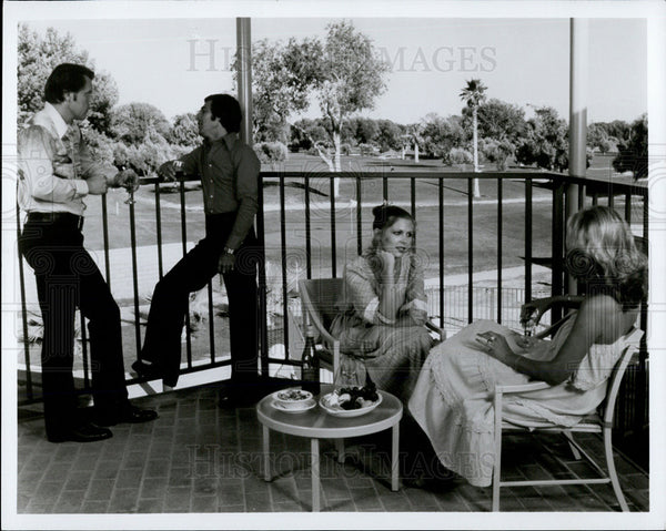Press Photo Pretty People Relaxing at The Golf Course - Historic Images