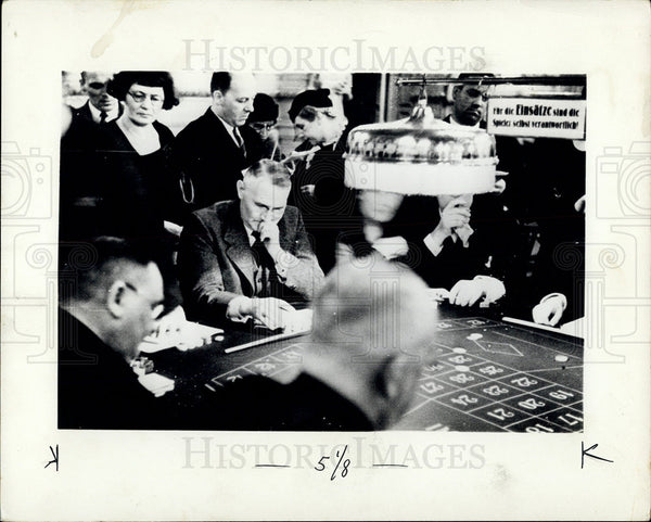 1937 Press Photo Gambling House - Historic Images