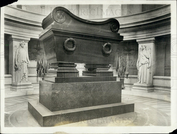 1921 Press Photo Tomb of Napoleon - Historic Images