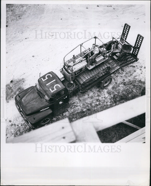 1967 Press Photo Military Truck - Historic Images