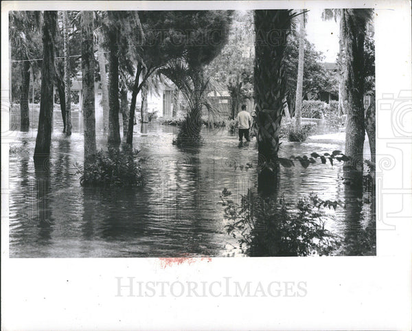 1972 Press Photo Hurricane caused flooding in Florida - Historic Images