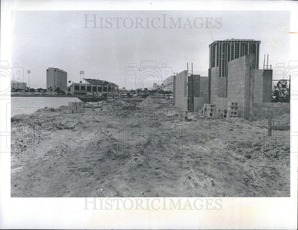 1976 Press Photo Construction of Marina in St Petersburg.Fla - Historic Images