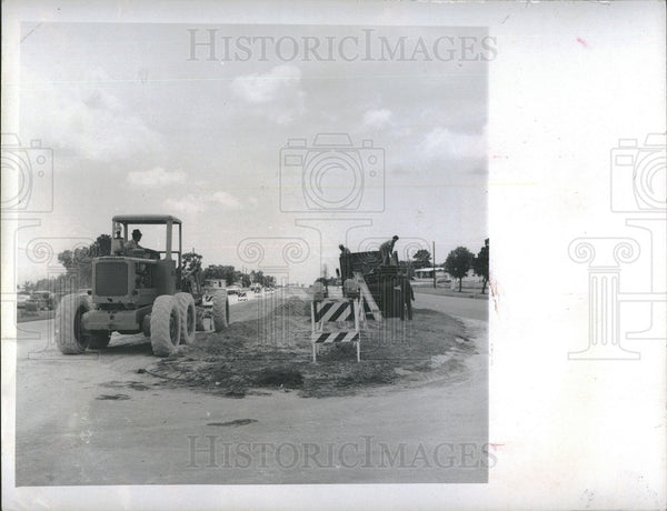 1970 Press Photo State Dept of Transportation Officials Begin Work on Roads - Historic Images