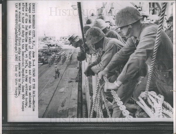1965 Press Photo Marine troops arrive home from the Dominican Republic. - Historic Images