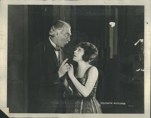 1922 Press Photo Scene From Remembrance, Actress Patsy Ruth Miller - Historic Images