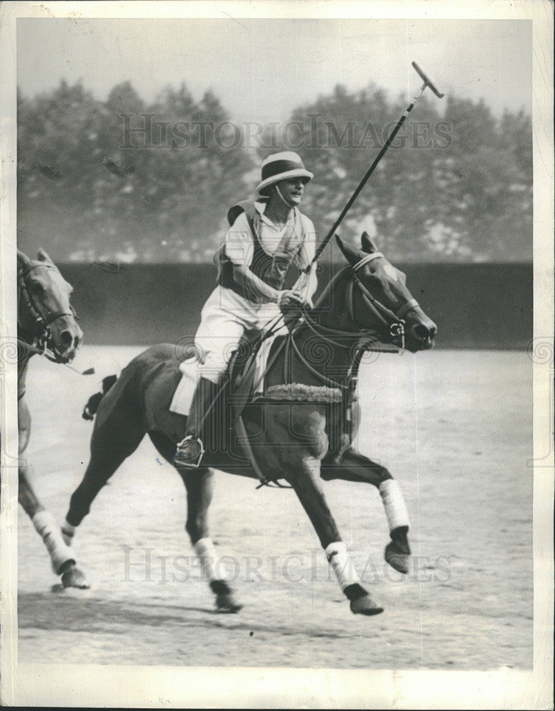 1938 Press Photo Film Producer Darryl Zanuck Playing Polo London - Historic Images
