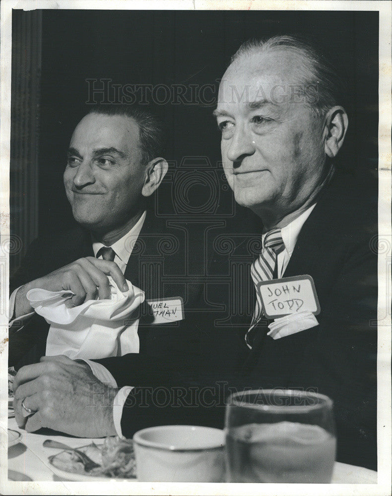 1964 Press Photo of Samuel Quitman and John O Todd at insurance meeting - Historic Images