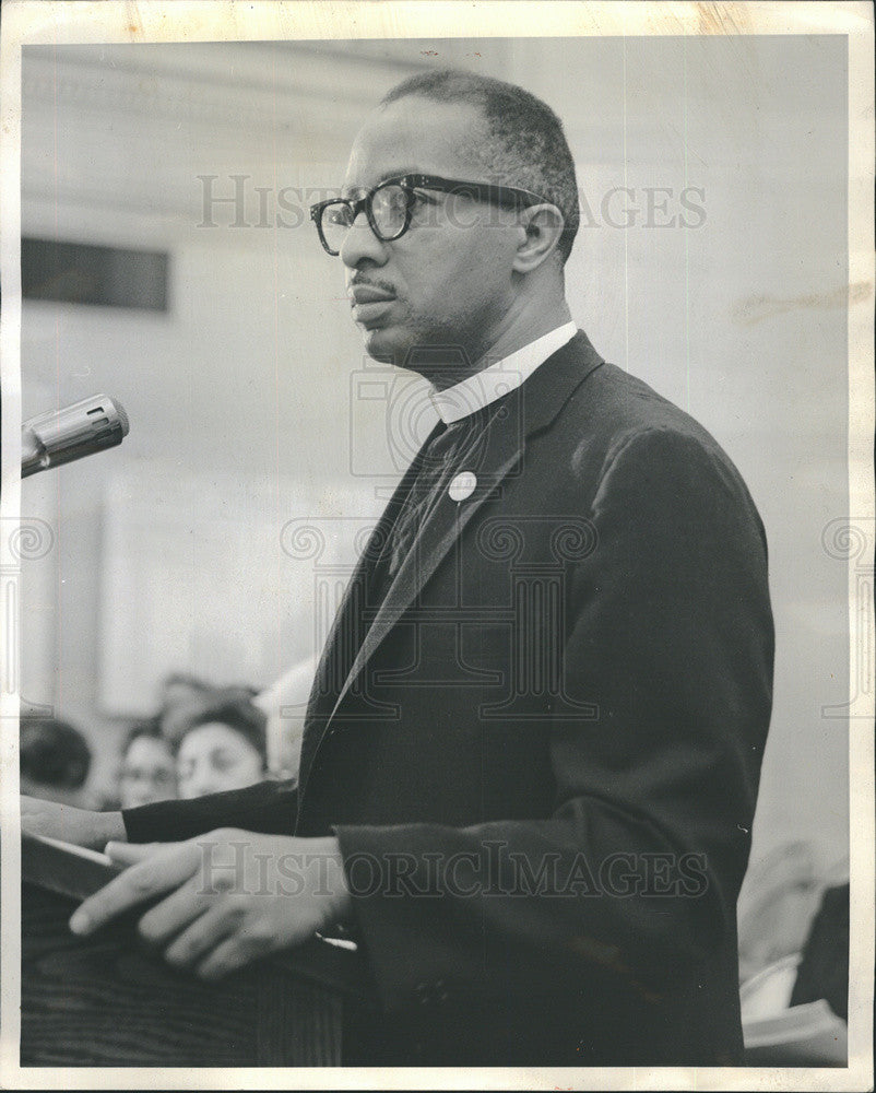 1963 Press Photo Reverend Lynward Stevenson Board Of Education Meeting - Historic Images