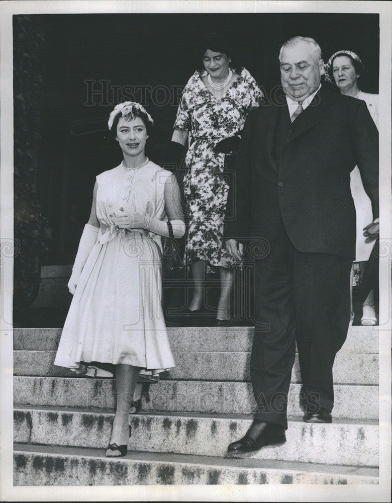 1958 Press Photo Princess Margaret Church Victoria Canada Lt. Gov. Frank Ross - Historic Images