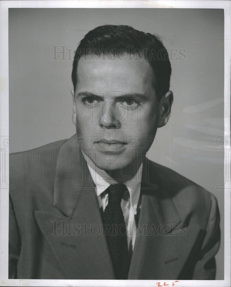 Press Photo Robert H. Quayle, Jr., Sporting goods buyer for Sears, Roebuck and C - Historic Images