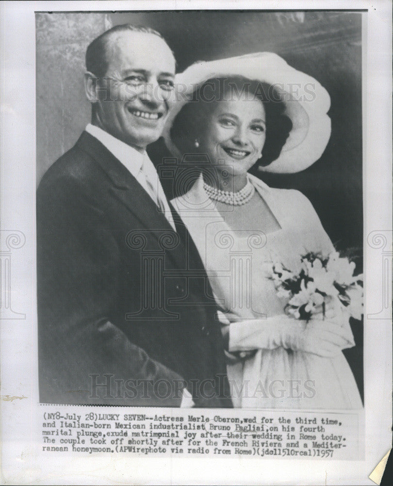 1957 Press Photo Merle Oberon Actress Bruno Paglial Mexican Industrialist Rome - Historic Images