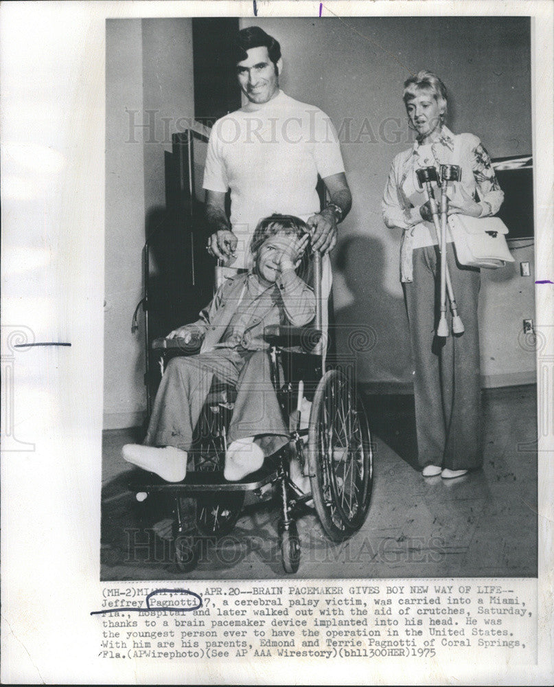 1975 Press Photo Jeffrey Pagnotti Cerebral Palsy Victim Miami HospitalPacemaker - Historic Images