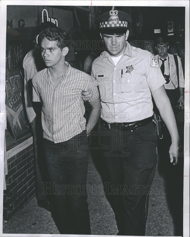 1969 Press Photo Israel Echevarria Arrested & Charged with Arson - Historic Images