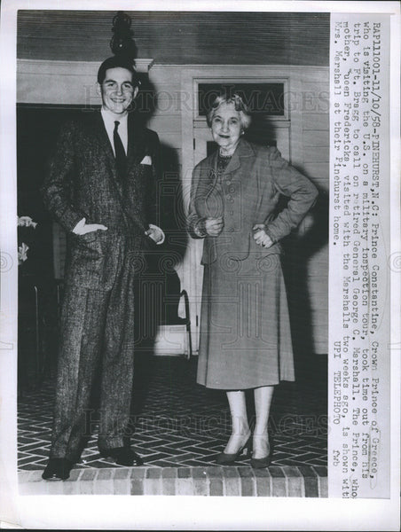 1958 Press Photo Prince Constantine visits U.S., shown with Mrs. Marshall - Historic Images