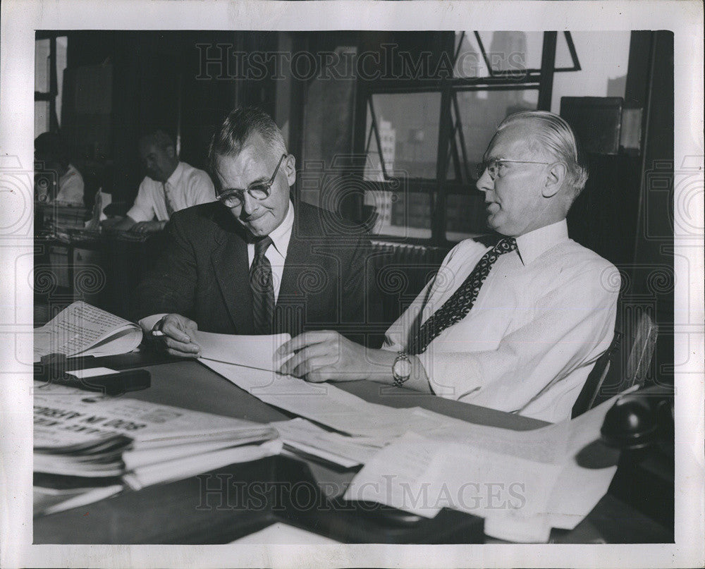 Press Photo Ed Lahey DN Nat'l Reporter and Everette Norlander Mgr Editor Chicago - Historic Images