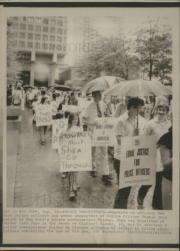 1974 Press Photo of New York Police Demonstrate. - Historic Images