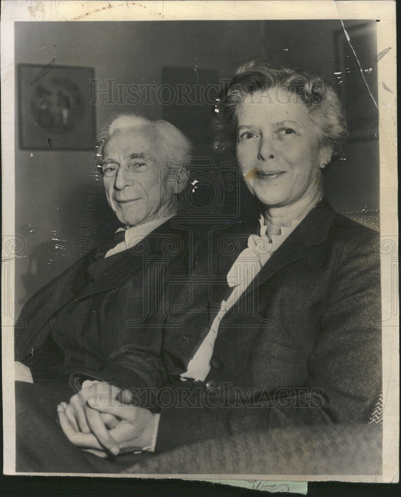 1952 Press Photo Bertrand Russell joined by fiancee Miss Edith Finch    Historic Images