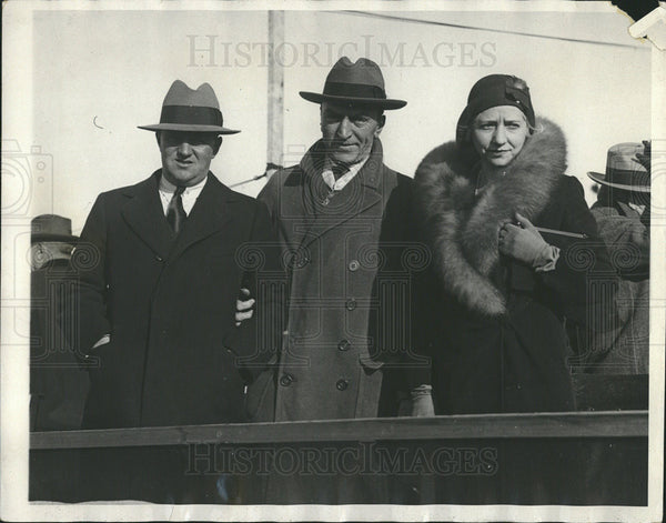 1930 Press Photo Capt. Edward Rickenbacker with his wife and F.Trubee Davison. - Historic Images