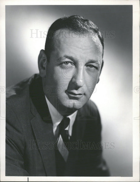1965 Press Photo Robert Northshield Television Reporter And Newsman - Historic Images