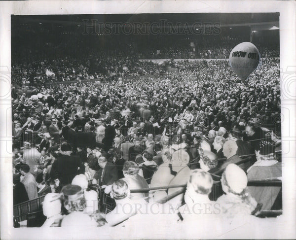Undated Press Photo Robert Merriam's rally in Chicago. - Historic Images
