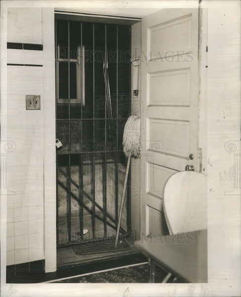 1939 Press Photo Edward J O'Hare's apartment guarded by steel bar door - Historic Images
