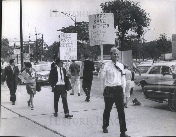 1967 Press Photo Garry Rader Free Karl Meyer Protest - Historic Images