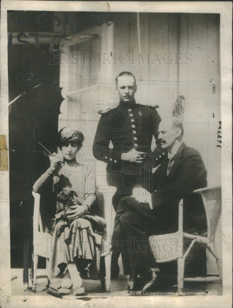 1924 Press Photo King Haakon VII Queen Maud Norway Heir Prince Olaf - Historic Images
