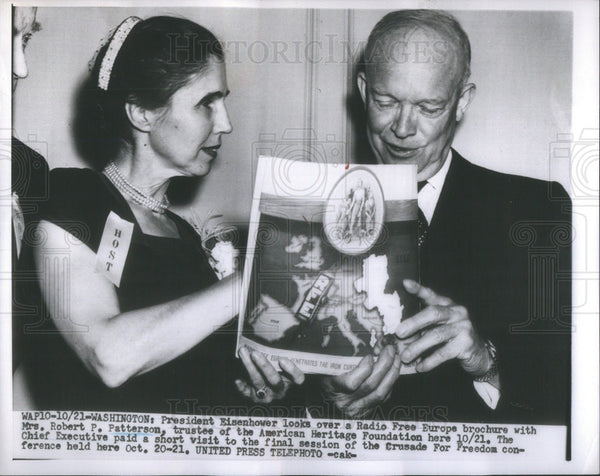 1953 Press Photo President Eisenhower With Mrs Robert Patterson - Historic Images