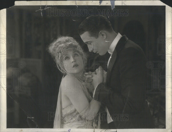"1922 Press Photo May Murray & Monte Blue in ""Peacock Alley"" - Historic Images"