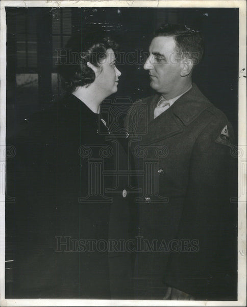 1942 Press Photo Mrs. Anne Tyrrell Lussier and Alfred Lussier - Historic Images