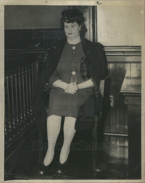 1943 Press Photo Mrs. Anne Lussier on stand testifying in kidnap trial. - Historic Images