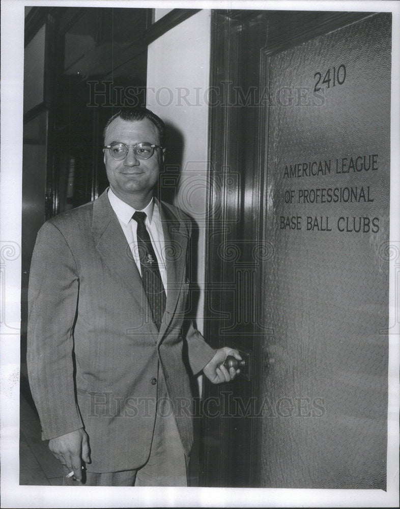 1954 Press Photo Attorney Alfred Luongo Appears at the Office of Amer Lge Pres - Historic Images