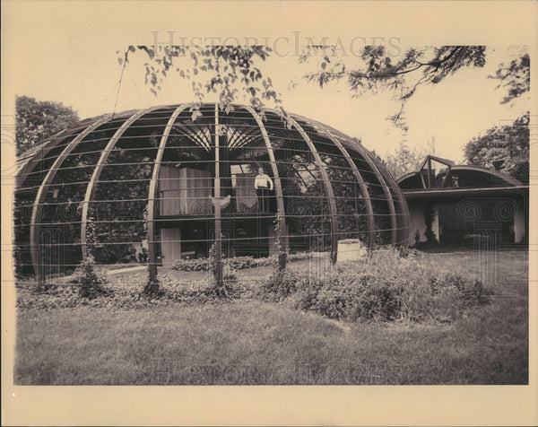 Undated Press Photo Sidney Robinson Architecture Pumpkin Shaped House - Historic Images