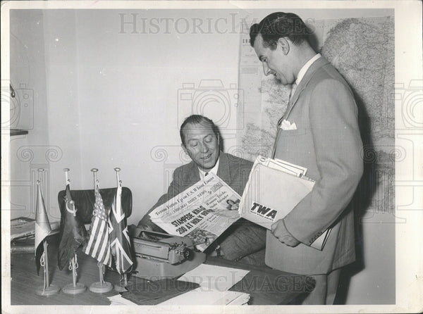 1954 Press Photo David Nichol Chicago Daily News Correspondent - Historic Images