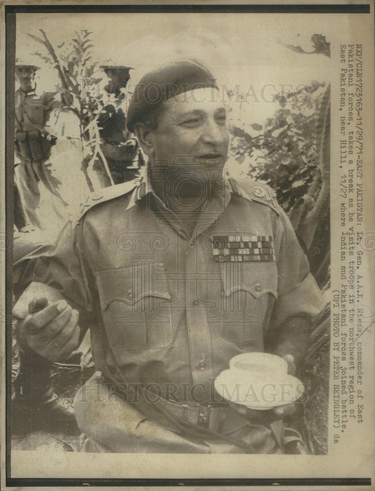 1971 Press Photo Lt Gen AAK Niaza, Commander, East Pakistani Forces - Historic Images