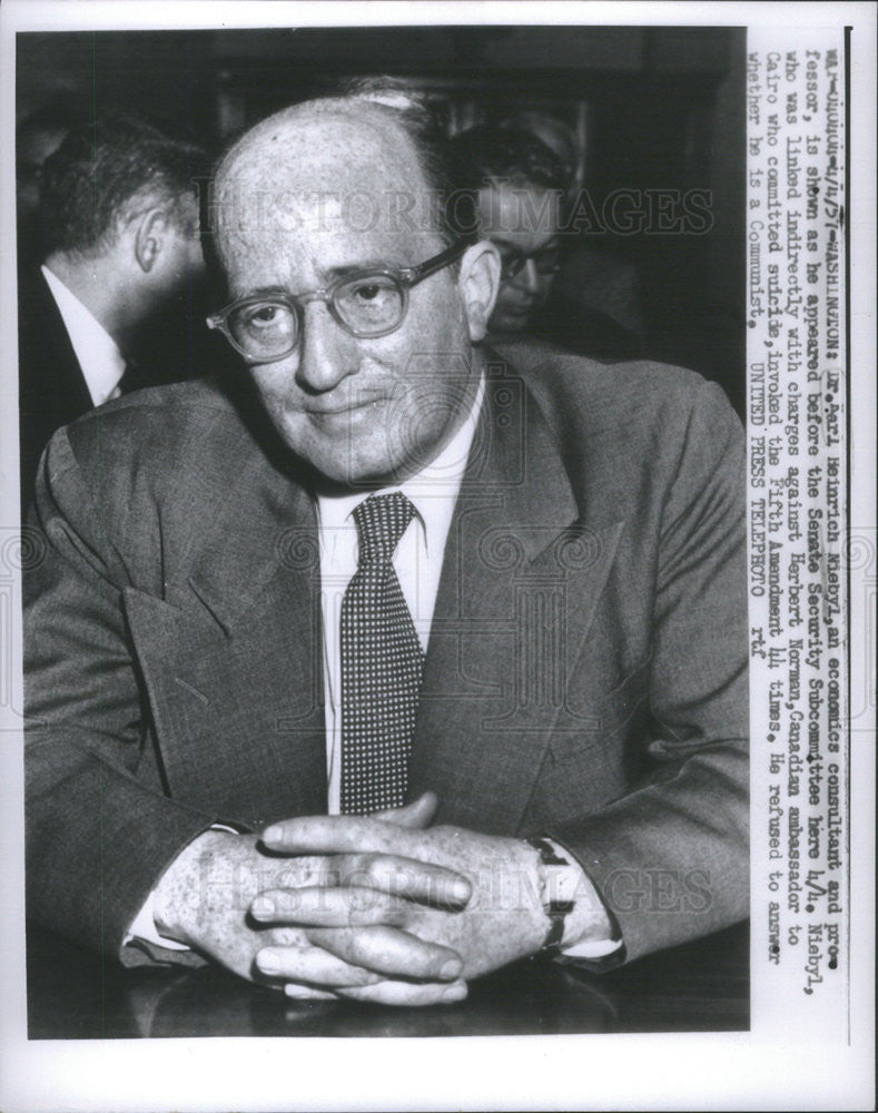 1957 Press Photo Dr. Karl Heinrich Niebyl Economics Professor Senate Security - Historic Images