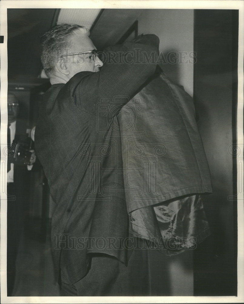 Press Photo James R. Lytle Witness In William G. Stratton Oil Trial Federal Bldg - Historic Images