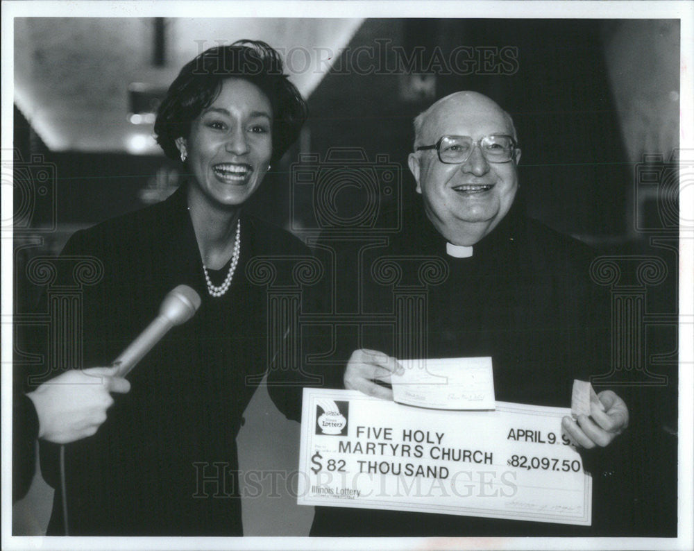 1992 Press Photo Edmund Siedlecki Five Holy Martyrs Church Lotto Winner - Historic Images