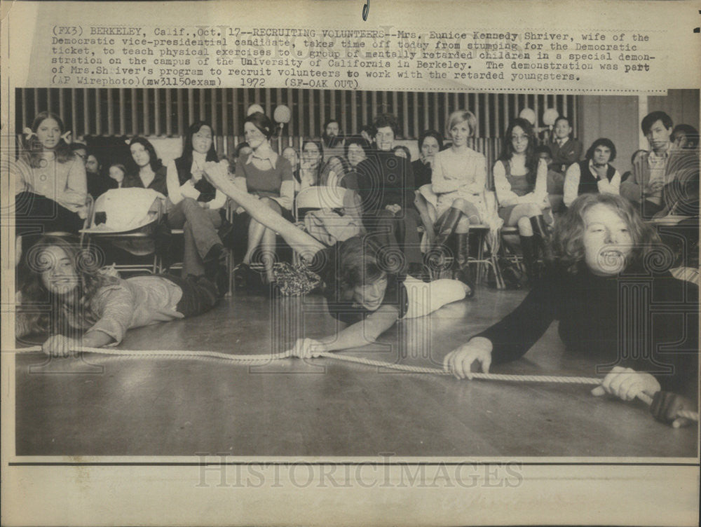 1972 Press Photo Mrs Eunice Kennedy Shriver, wife of VP candidate - Historic Images