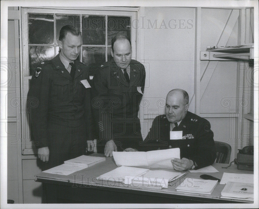 1957 Press Photo Robert Johnson John Brogan Paul MacDonald US Army - Historic Images