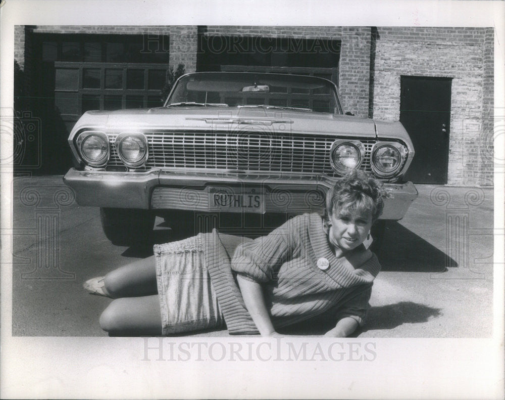 1988 Press Photo Jackie Tinker 1963 Chevy Impala Super Sport Buisnesswoman - Historic Images