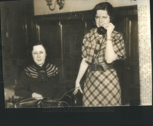 1936 Press Photo Rose Long and her mother in Sen Long office - Historic Images