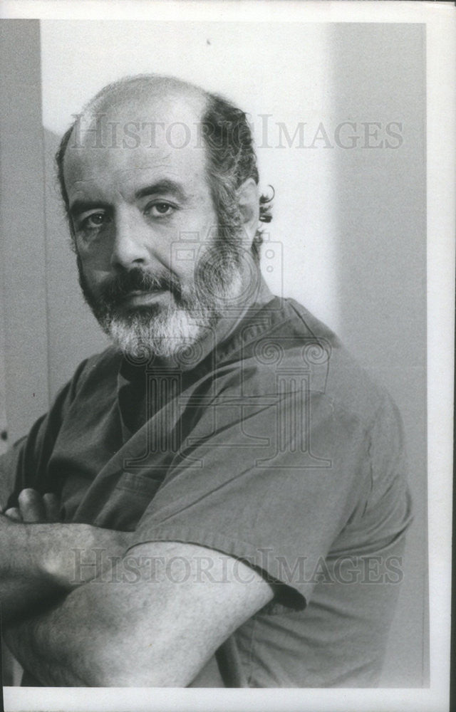 1979 Press Photo Pernell Roberts On CBS Crossing His Arms - Historic Images